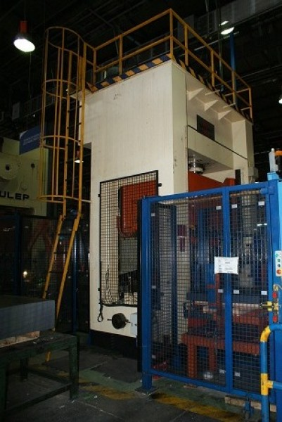 Hydraulic press GIGANT 300 TON