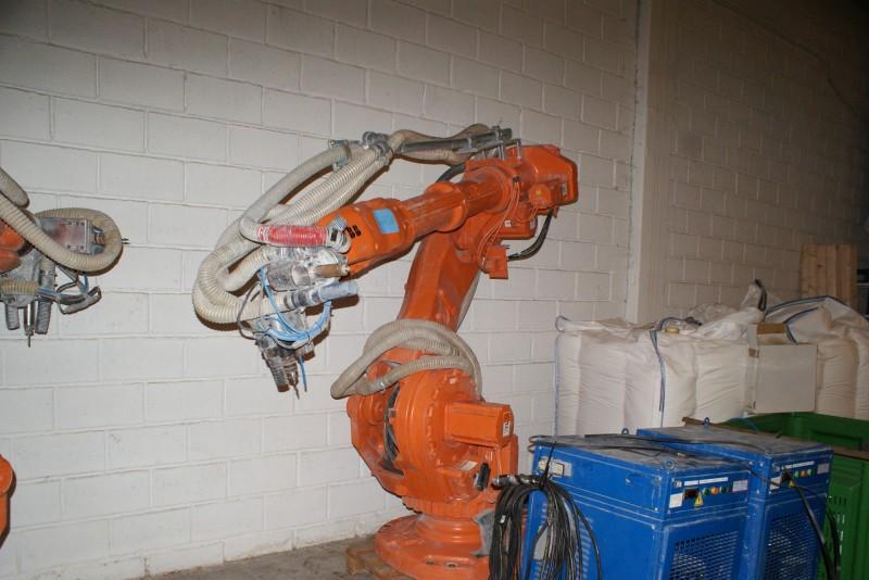 6 axes anthropomorphous robot  ABB
